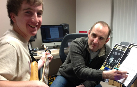 bass guitar lesson picture